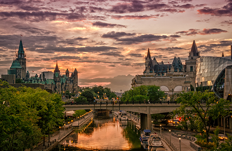 Rideau-Canal-and-Chateau-Laurier